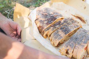 Pane integrale con semini di papavero